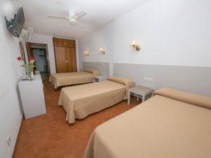 Cama Matrimonio + 2 camas